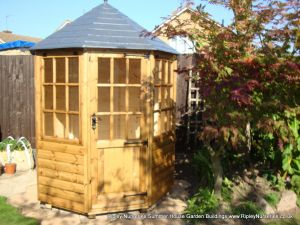 Frensham single door Gazebo 6X6. (4)